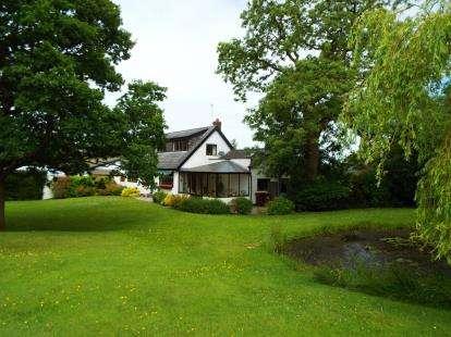 3 Bedrooms Detached House for sale in Nabs Head Lane, Samlesbury, Preston