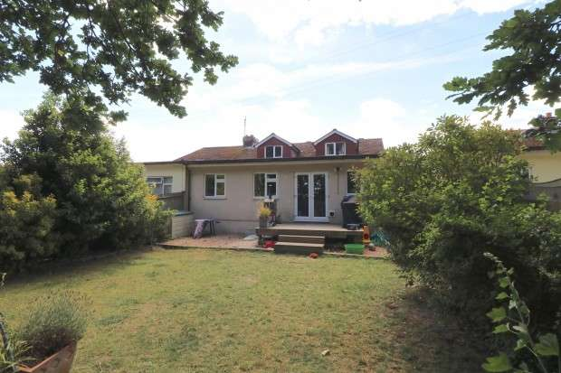 4 Bedrooms Bungalow for sale in Northern Avenue, Polegate, BN26