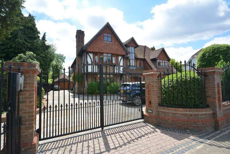 7 Bedrooms Detached House for sale in Ernest Road, Emerson Park, Hornchurch RM11