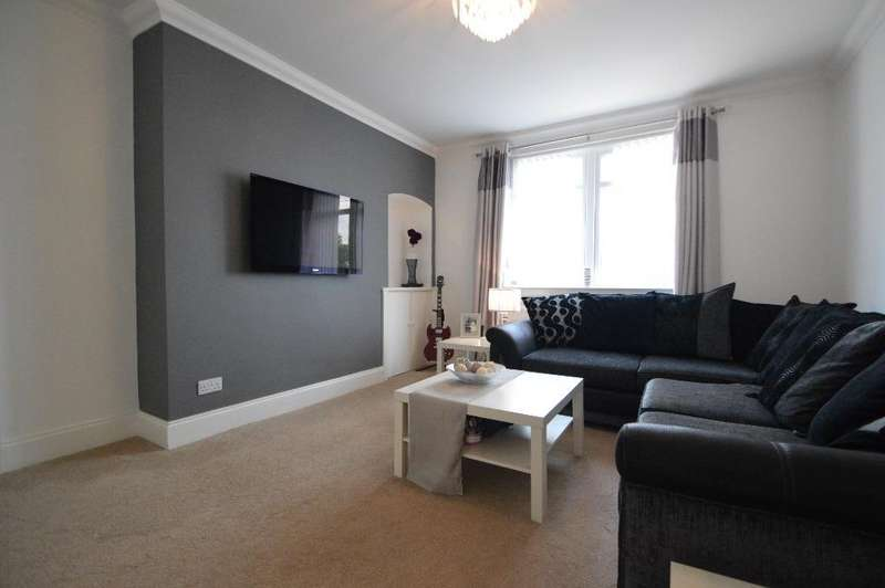 2 Bedrooms Flat for sale in Seymour Avenue, Kilwinning, North Ayrshire, KA13 7PQ