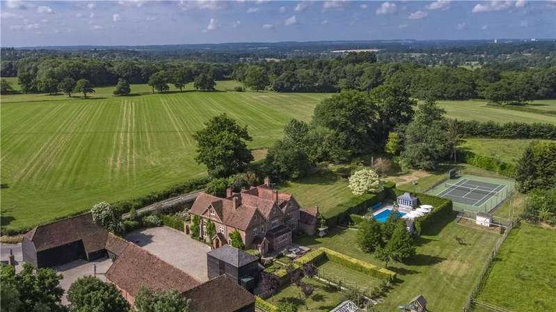 6 Bedrooms Detached House for sale in Lyde Green, Rotherwick, Hook, Hampshire, RG27