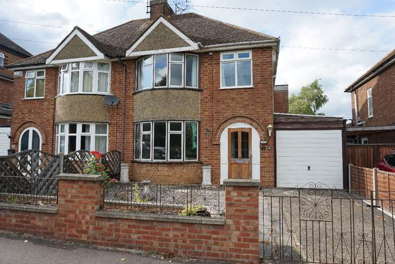 4 Bedrooms Semi Detached House for sale in SPRING LANE, OLNEY