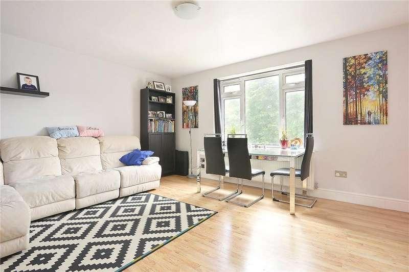 3 Bedrooms Flat for sale in East Dulwich Road, Peckham Rye, London, SE15