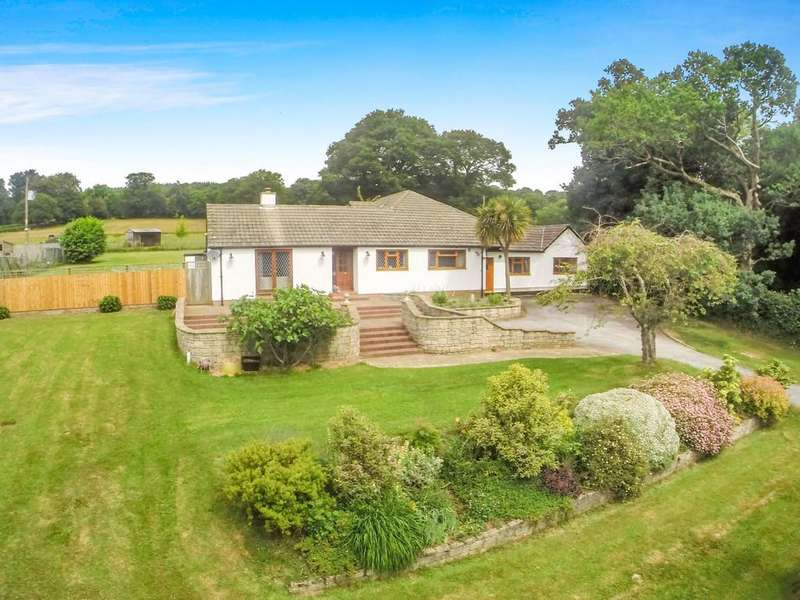 4 Bedrooms Detached Bungalow for sale in Ashburton, Devon