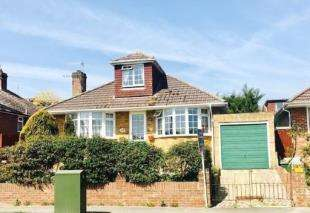 4 Bedrooms Bungalow for sale in Valley Road, Newhaven, East Sussex