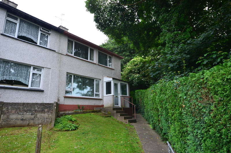 3 Bedrooms Semi Detached House for sale in 117 Malabar Road