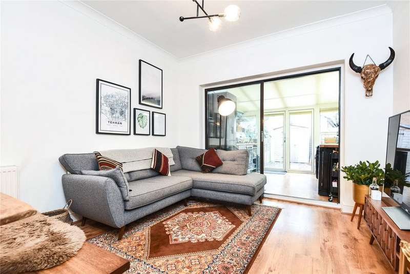 3 Bedrooms Maisonette Flat for sale in Oakfield Road, Southgate, London, N14