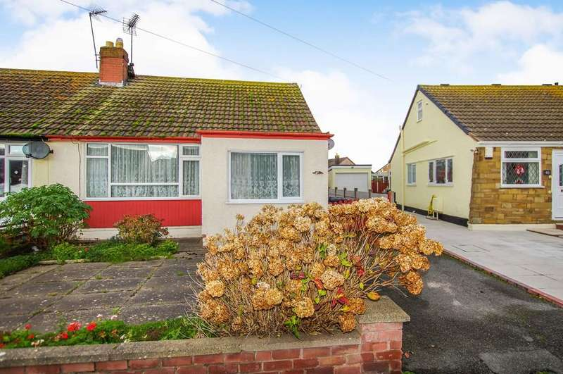 2 Bedrooms Semi Detached Bungalow for sale in Lon Y Cyll, Pensarn
