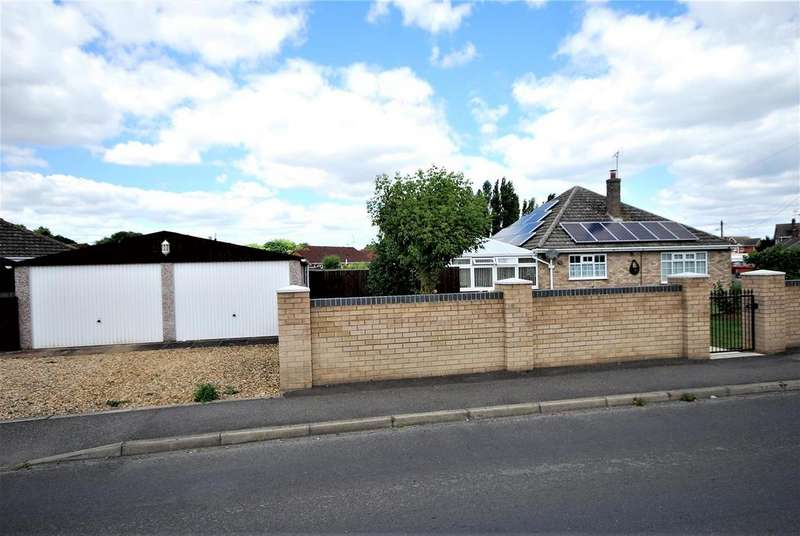 3 Bedrooms Detached Bungalow for sale in Park Gardens, Holbeach, Spalding