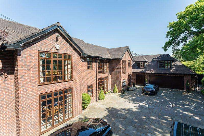 6 Bedrooms Detached House for sale in Stunning house overlooking the Mere Golf Course