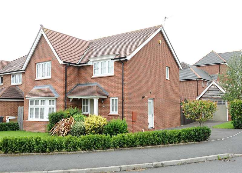4 Bedrooms Detached House for sale in Roseway Avenue, Cadishead M44 5GG