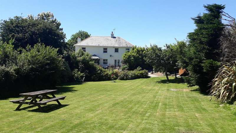 4 Bedrooms Detached House for sale in Roseland