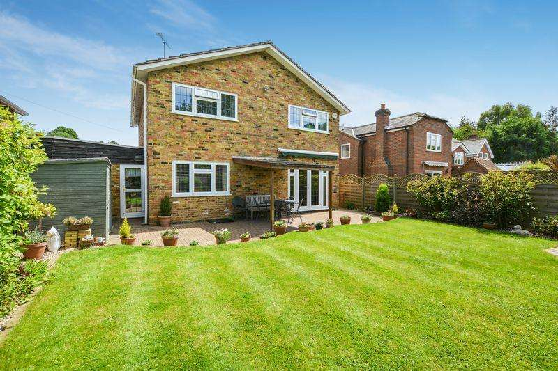 4 Bedrooms Link Detached House for sale in Flackwell Heath