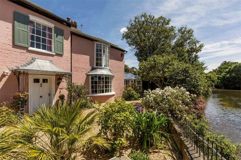 5 Bedrooms House for sale in Town Centre, CHRISTCHURCH, Dorset