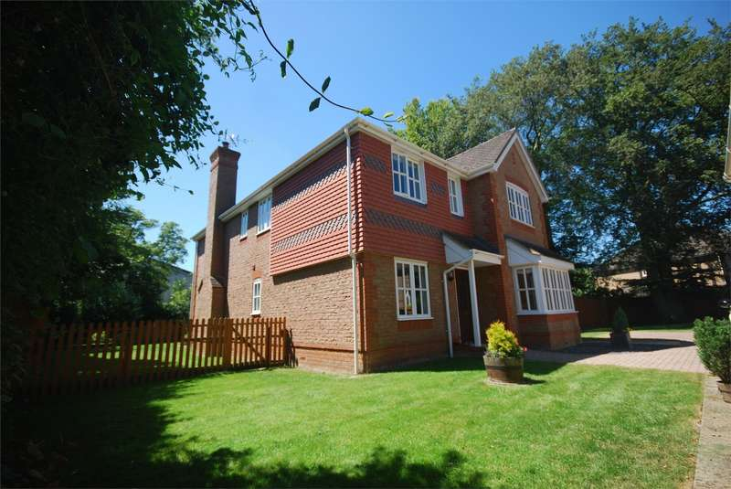 4 Bedrooms Detached House for sale in Aylesbury Road, Aston Clinton, Buckinghamshire