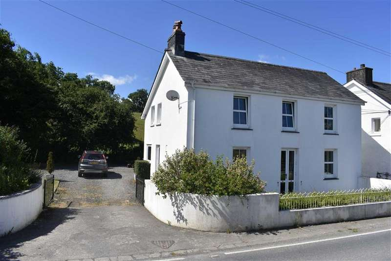 3 Bedrooms Detached House for sale in Llanybydder