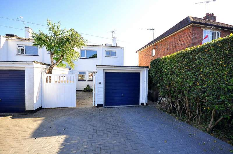 3 Bedrooms Semi Detached House for sale in Ringwood Town Centre, BH24 1BH