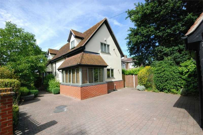 2 Bedrooms Detached House for sale in Long Green, Marks Tey, Essex