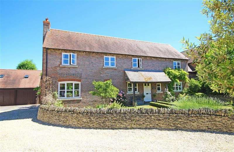 4 Bedrooms Link Detached House for sale in Banady Lane, Stoke Orchard, Cheltenham, GL52