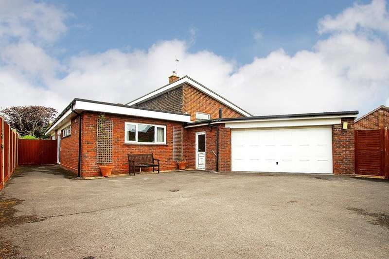 4 Bedrooms Detached House for sale in Mengham, Hayling Island