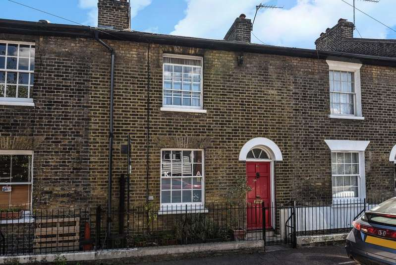3 Bedrooms Terraced House for sale in Friendly Street London SE8