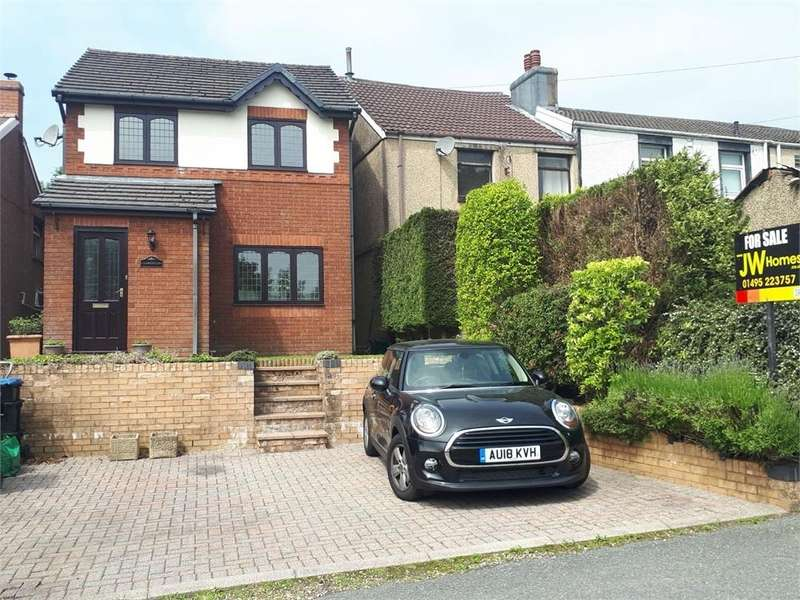 3 Bedrooms Detached House for sale in Yellow Row, Dukestown, Tredegar, Blaenau Gwent