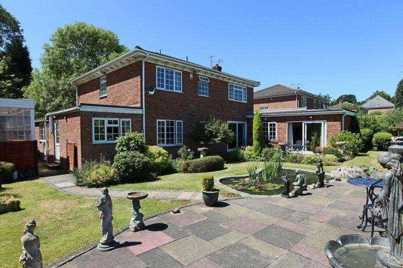4 Bedrooms Detached House for sale in Barlaston Old Road, Trentham