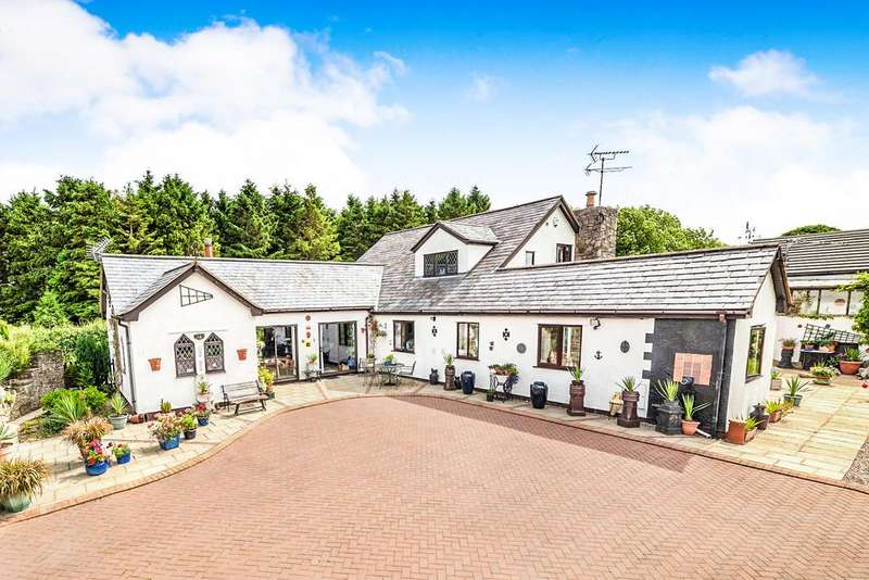5 Bedrooms Detached House for sale in Pen Y Cefn, Caerwys