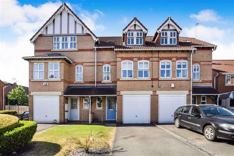 4 Bedrooms Town House for sale in Alberbury Avenue, Timperley, Cheshire, WA15