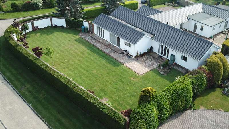 5 Bedrooms Detached Bungalow for sale in Madehurst Close, East Preston, West Sussex, BN16