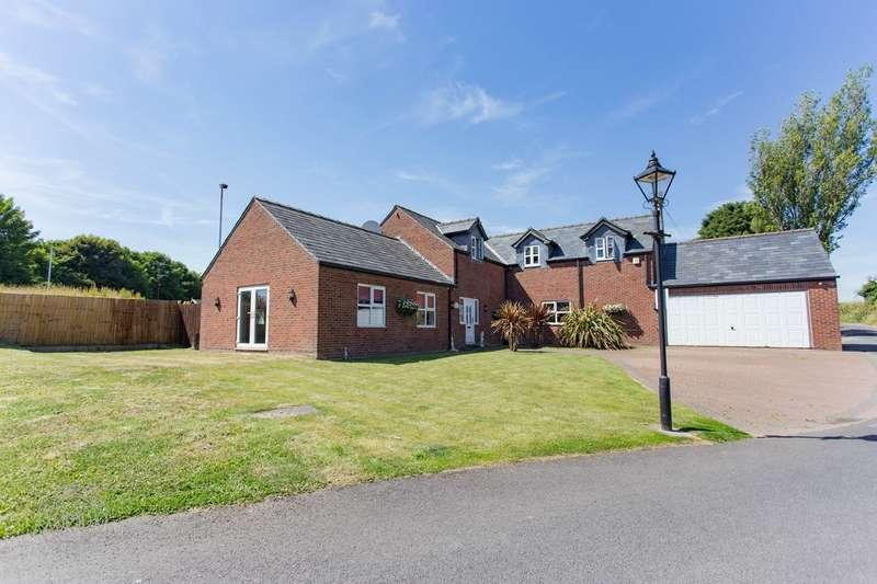 4 Bedrooms Detached House for sale in Plodder Lane, Bolton, BL5