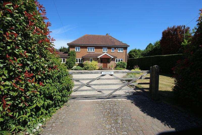 5 Bedrooms Detached House for sale in Old Hadlow Road, Tonbridge