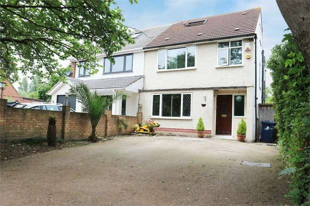 4 Bedrooms Semi Detached House for sale in Tentelow Lane, Southall, Greater London
