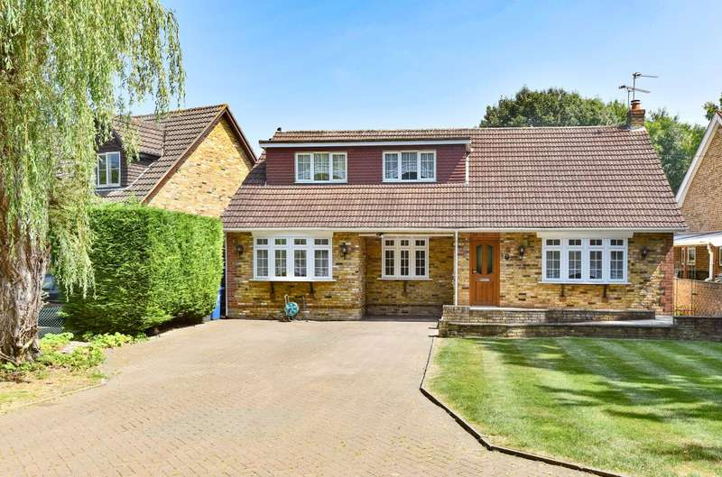 5 Bedrooms Chalet House for sale in The Embankment, Wraysbury, TW19