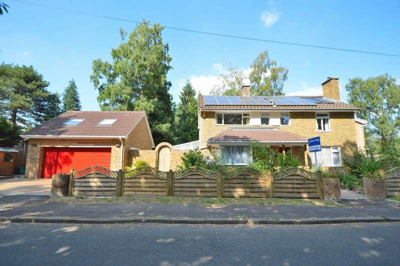 4 Bedrooms Detached House for sale in Hocombe Wood Road, Chandler's Ford