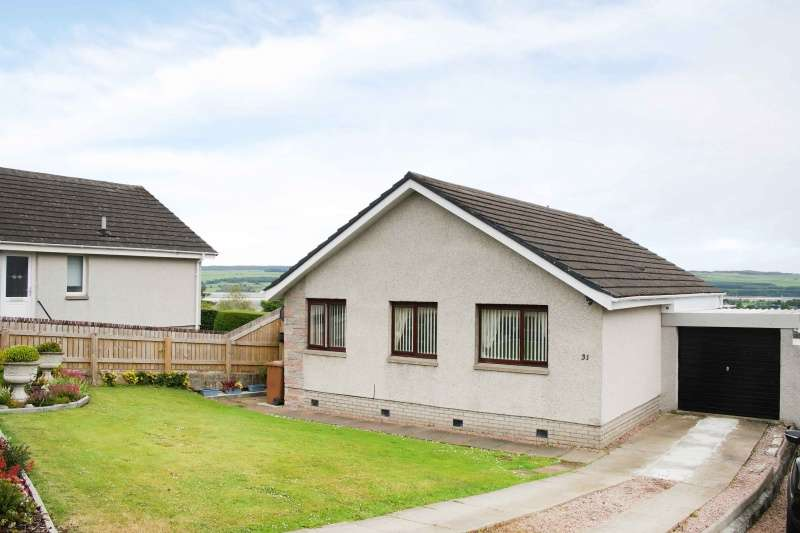 3 Bedrooms Bungalow for sale in Kintail Place, Dingwall, Highland, IV15 9RL