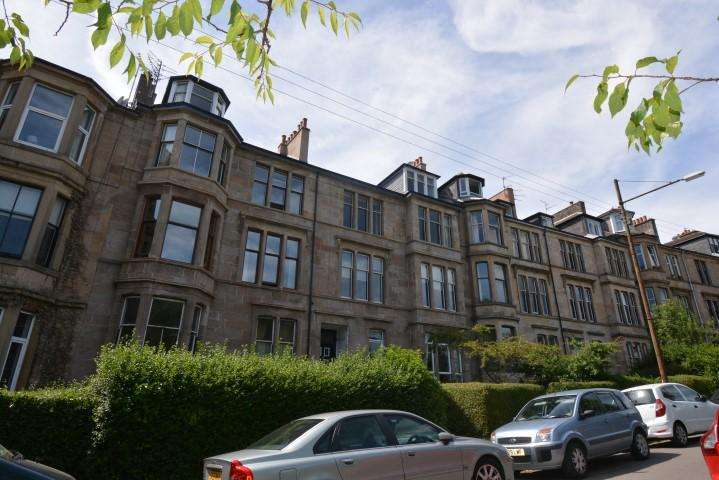 3 Bedrooms Flat for sale in 21 Hayburn Crescent, Partickhill, G11 5AY