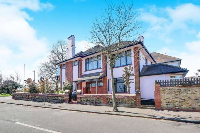 4 Bedrooms Detached House for sale in Marine Parade, Leigh-on-Sea