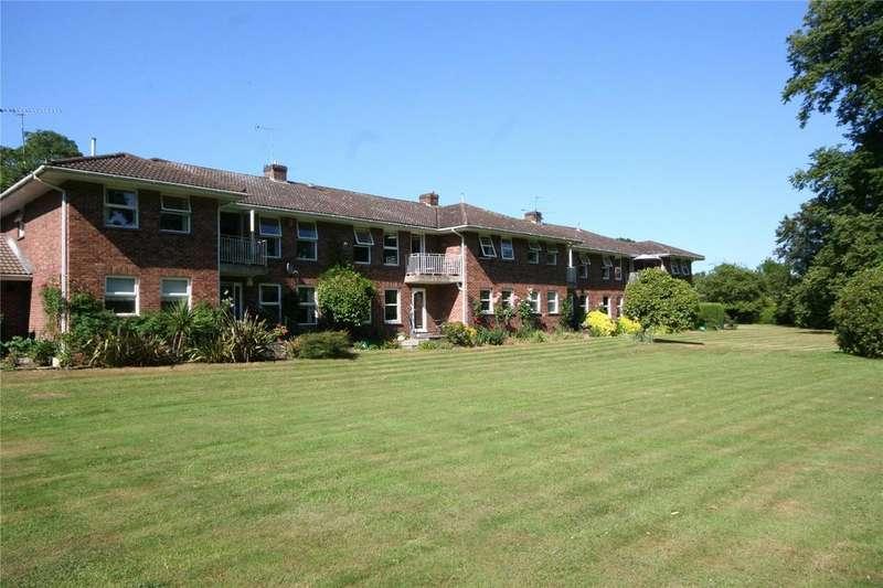 2 Bedrooms Flat for sale in Purton Lane, Farnham Royal, Buckinghamshire