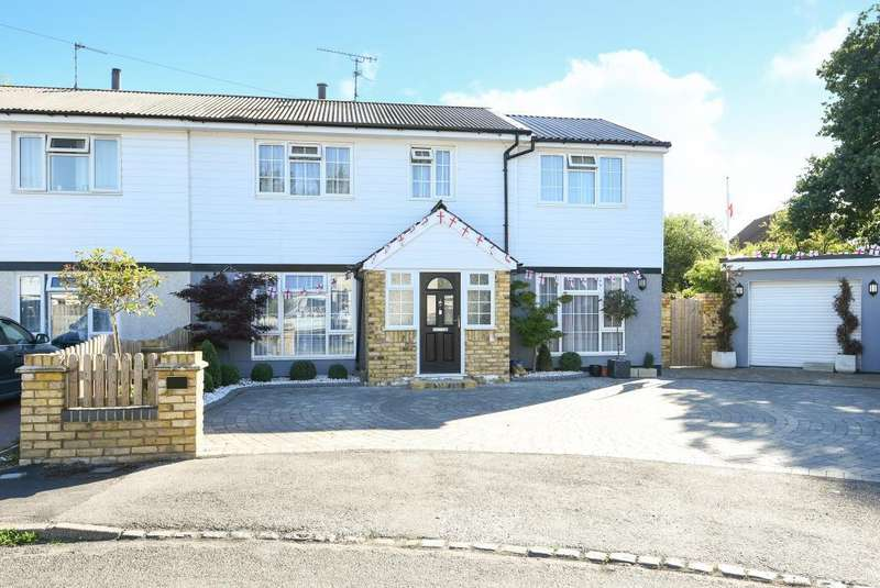 5 Bedrooms House for sale in Russell Avenue, Aylesbury, HP21