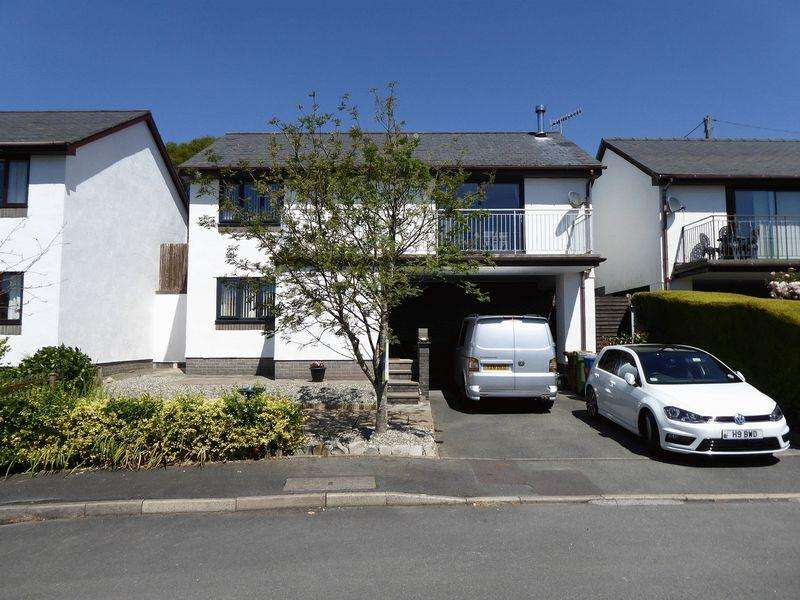 3 Bedrooms Detached House for sale in Llanfrothen