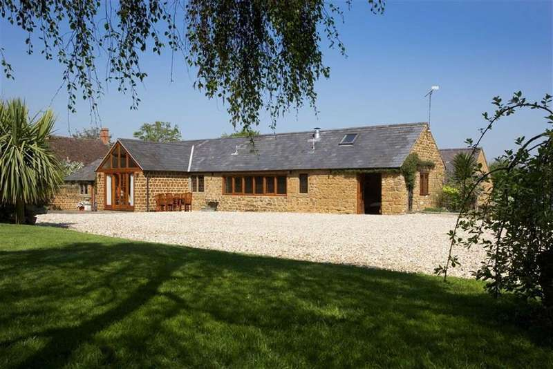 3 Bedrooms Country House Character Property for sale in The Green, Warmington, Oxfordshire, OX17