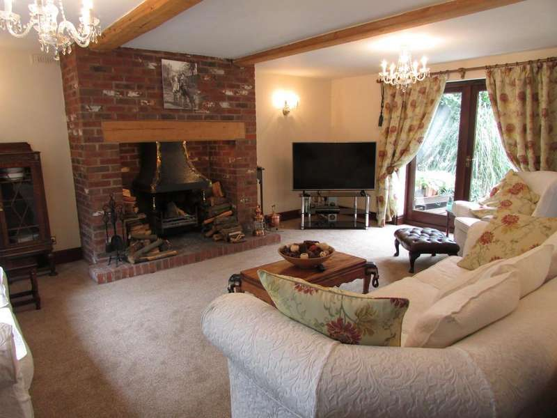 4 Bedrooms Detached House for sale in Cuddington