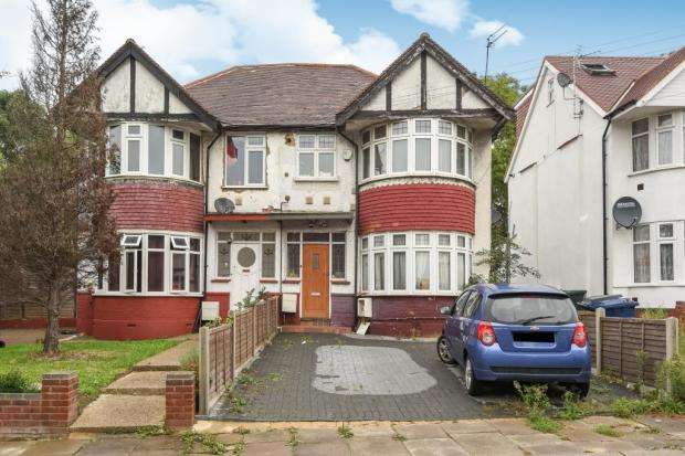 1 Bedroom Property for sale in Barford Close, London, NW4