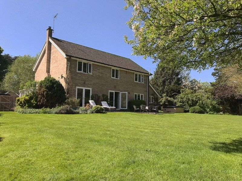 5 Bedrooms Property for sale in Sharp Road, Bury St. Edmunds