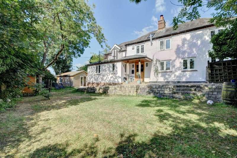 3 Bedrooms Detached House for sale in Bledlow