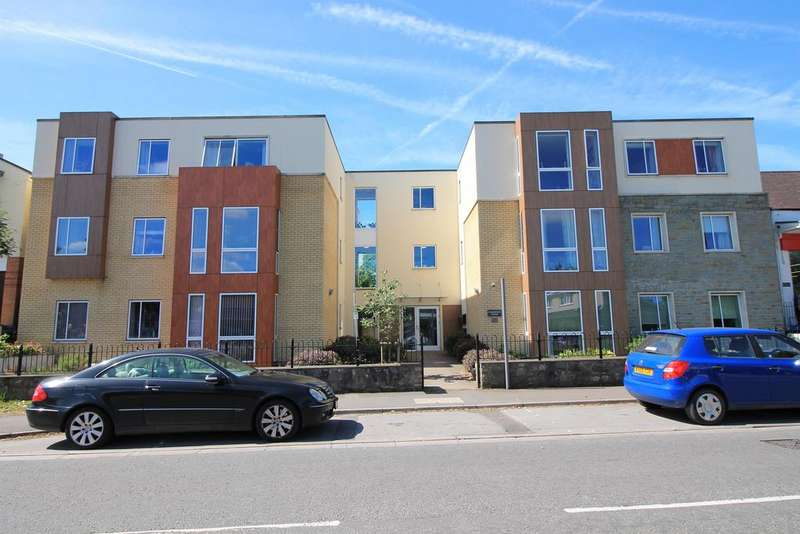 2 Bedrooms Flat for sale in Hardwick Lodge, 59 High Street, Yatton, North Somerset