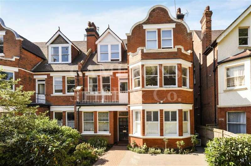 2 Bedrooms Apartment Flat for sale in Dartmouth Road, Mapesbury Conservation Area, London, NW2