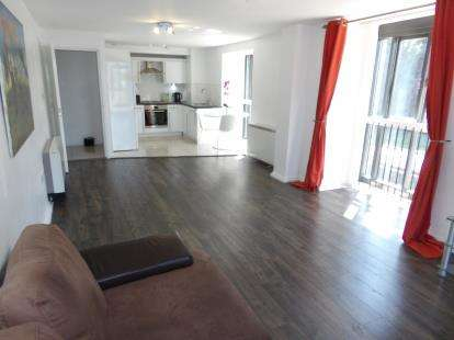 2 Bedrooms Flat for sale in Ilex Mill, Rossendale, Lancashire, BB4