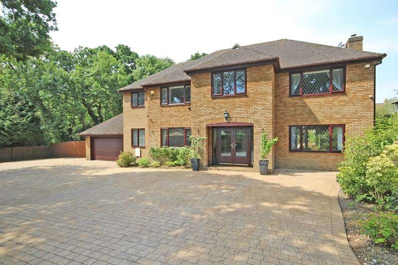4 Bedrooms Detached House for sale in Brockhills Lane, New Milton